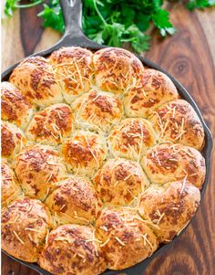 Italian Skillet Pull Apart Bread - easy to make pull apart bread using frozen bread rolls, rolled in an Italian herbed melted butter and sprinkled with cheese. Cooking Bread, Bread Baking, Cooking Recipes, Food Network Recipes, Food Processor Recipes, Pull Apart Cheese Bread, My Favorite Food, Favorite Recipes, Cast Iron Skillet Cooking