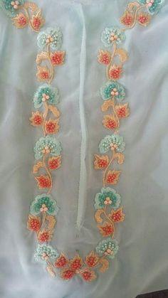 Zardosi Embroidery, Embroidery On Kurtis, Kurti Embroidery Design, Embroidery Neck Designs, Hand Embroidery Flowers, Hand Work Embroidery, Embroidery Motifs, Embroidery Fashion, Beaded Embroidery