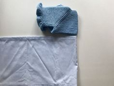 Como coser la tela al canesú para hacer el vestido Baby Knitting Patterns, Tricot Baby, Bijoux Fil Aluminium, Knit Baby Sweaters, Sewing Tutorials, Baby Dress, Infant, Crochet, Crafts