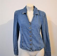 Vintage Sweetheart Jean Shirt / Wear with Everything Jean Shirts, Denim Shirt, Denim Button Up, Button Up Shirts, Oxford Platform, Cowgirl Chic, Stylish Boots, Gold Top, Silver Buttons