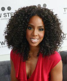Kelly Rowland looks so pretty here...