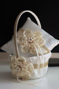 Ivory ring bearer pillow ivory flower girl basket by AlexEmotions Ring Pillow Wedding, Wedding Pillows, Ivory Wedding, Wedding Set, Wedding Ceremony, Decor Wedding, Wedding Colors, Wedding Ideas, Flower Girl Basket