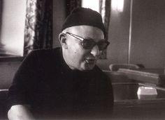 Νίκος Καββαδίας (1910 – 1975): Ναυτικός και λογοτέχνης. Γεννήθηκε στις 11 Ιανουαρίου του 1910 στο Χαρμπίν της Μαντζουρίας...