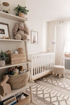 Fine Deco Chambre Neutre that you must know, You?re in good company if you?re looking for Deco Chambre Neutre Baby Nursery Decor, Baby Decor, Baby Nursery Ideas For Girl, Nursery Room Ideas, Woodland Nursery, Project Nursery, Bunny Nursery, Babies Nursery, Chic Nursery