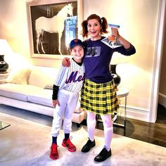 Pin for Later: Celebrity Kids Dressed as the Cutest Characters For Halloween This Year Roman Zelman and Debra Messing chose costumes close to their hearts — a New York Met and Darla from Finding Nemo.