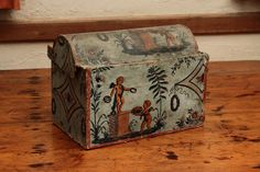 Hat Box  This 18th century hat box is located in the Bolduc House bedroom. Photograph by Bruce Pendleton c. 2009 The Bolduc House Museum