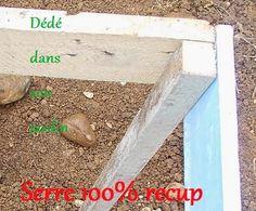 Comment fabriquer une serre à moins de 10 euros. – Dédé dans son jardin Permaculture Design, Tips & Tricks, Agriculture, Gardening Tips, Succulents, Planters, Palette, Organic, Nature