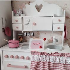 DIY play kitchen , retro style