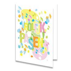 Een paaskaart met de tekst ''VROLIJK PASEN!'' in verschillende vrolijke kleuren geschreven. Achter deze tekst zijn gekleurde muzieknootjes en paaseitjes geplaatst. De achtergrondkleur is wit. Aan de binnenkant van het paaskaartje zijn twee muzieknootjes en één paasei geplaatst, links onderin.