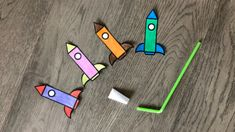 Straw Rockets Activity (with Free Rocket Printable) Babysitting Activities, Nursery Activities, Toddler Learning Activities, Preschool Activities, Rainy Day Activities For Kids, Fun Projects For Kids, Rocket Craft, Rockets For Kids, Paper Plate Crafts For Kids