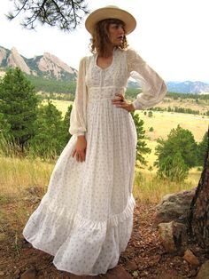 The height of prairie chic: vintage 70's Gunne Sax.