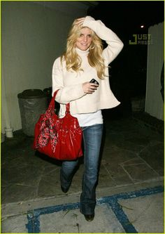 2d11d75ff2 Jessica Simpson - Love the whole outfit