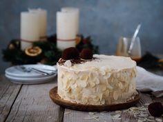 Mandľová torta so slaným karamelom - Zo srdca do hrnca Cake, Desserts, Food, Tailgate Desserts, Deserts, Kuchen, Essen, Postres, Meals