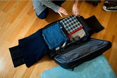 Smart packing tips from a flight attendant. Leaving for Chicago and having to pack a months worth. This is really helpful!