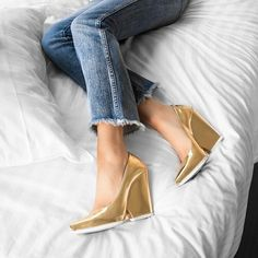 Starting Monday off in Celine's gold heels. Shop Celine products on thehula.com. 📷: @sarahstylesseattle