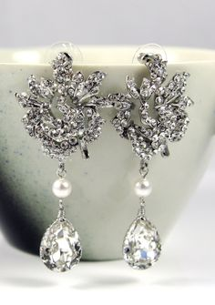 Kandra Wedding Bridal Chandelier Earrings. Stunning! #bridalearrings