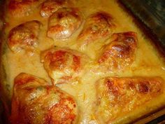 Ingredients: Chicken pieces for 8 to 10 people (I use boneless, skinless breasts) 2 teaspoons paprika 1 Tablespoon of kosher salt 2 teaspoons of garlic salt 1 cup of heavy cream 1 can of cream of mushroom soup How to make this recipe: Ingredients: Chicken Chicken Pieces Recipes, Baked Chicken Pieces, Baked Chicken Breast, Baked Chicken Recipes, Chicken Meals, Turkey Recipes, La Chicken, Cheesey Chicken, Chicken Spices