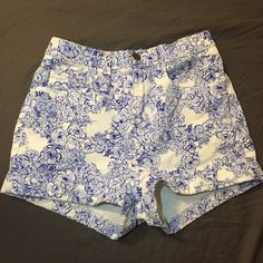 American apparel high waisted shorts. American apparel printed high waisted shorts. Very good condition. Only ever tried it. Just taking up space in my closet so I'm selling it. Khaki material instead of denim. Very comfortable not super tight. 27 free ship on pp. NO TRADES! American Apparel Shorts Jean Shorts
