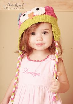 I LOVE THIS!  I know she already has one knit owl hat...but there is no harm in having two!  Adorable! Will knit this for my kids.