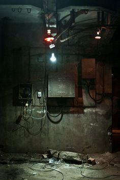 faible éclairage sur vieil endroit