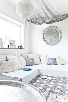 Set up oriental - 50 fabulous living ideas like 1001 nights - Moroccan living room modern oriental decor - Moroccan Decor Living Room, Moroccan Interiors, Living Room Decor, Moroccan Room, Living Rooms, Modern Moroccan Decor, Moroccan Lounge, Decor Room, Living Area