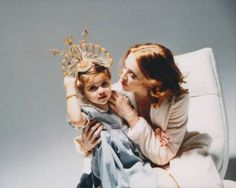 Oh Yeah Pop - Madonna & Daughter Lourdes Leon, Spring 1999 Ph. Madonna Hair, Madonna Daughter, Divas, Madonna Pictures, Material Girls, Angelina Jolie, Beautiful Women, Hollywood, Couple Photos