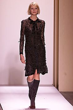 Oscar de la Renta Fall 2001 Ready-to-Wear - Collection - Gallery - Style.com