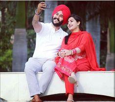 Selfie😍👌💗😘👆💕 Indian Wedding Couple, Wedding Couple Photos, Sikh Wedding, Punjabi Wedding, Post Wedding, Couple Shoot, Wedding Couples, Cute Couples, Pre Wedding Poses