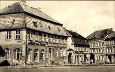 Ak-Neustrelitz-Mecklenburg-HO-Cafe-am-Markt-Drogerie-Haeuser-1073725