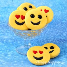 If your kids or friends just can't live without using emoji to express their emotions, they will love these sweet smiley face emoji candies made using a simple 2-ingredient fudge recipe. These Easy Fudge Emoji will make fun treats for Valentine's Day or any day.