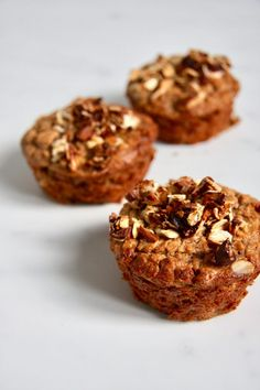 Muffins aren't just for chocolate chips and bananas anymore. These breakfast muffin recipes will broaden your horizons and leave you with some sweet treats. Healthy Muffin Recipes, Healthy Muffins, Breakfast Recipes, Snack Recipes, Eat Healthy, Healthy Tips, Sin Gluten, Vegan Gluten Free, Gluten Free Recipes