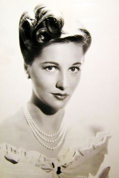 Todays 1940s hair and makeup inspiration