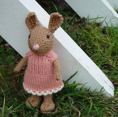 bunny in sweet dress pattern. Free download