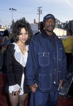 Former In Living Color Fly Girl and actress, Rosie Perez and Tupac, at an awards show in *posted by Hip Hop Fusion Fashion 90s, Hip Hop Fashion, Couture Fashion, Runway Fashion, Fashion Outfits, Fashion Trends, 90s Hip Hop, Hip Hop Rap, Carrie