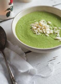Cucumber gaspacho with yogurt and feta cheese Soup Recipes, Cooking Recipes, Healthy Recipes, Cooking Time, Gaspacho Recipe, Feta Cheese Recipes, Summer Recipes, Food Inspiration, Food Processor Recipes