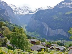 more of Village of Wengen, with Lauterbrunnen in the valley below  http://earth66.com/village/village-wengen-lauterbrunnen-valley/