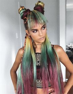 On Fire With Festival Hair: Coachella Made This Stylist's Dreams Come True - Career - Modern Salon # Braids hairlook long hair On Fire with Festival Hair: Coachella Made this Stylist's Dreams Come True Festival Coachella, Coachella Hair, Festival Hair, Coachella Valley, Cute Braided Hairstyles, Box Braids Hairstyles, Cool Hairstyles, Crazy Hair Days, Looks Vintage