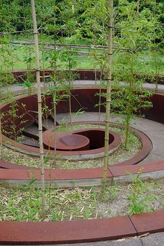 "Now THIS is a garden spiral! Garden spiral in Murou Art Forest near Nara, Japan designed by Israeli artist, Dani Karavan, world famous pioneer of environmental formative art and monuments focusing on ""Fusion with nature"" Garden Paths, Garden Art, Garden Landscaping, Garden Design, Urban Landscape, Landscape Design, Spiral Garden, Japan Design, Parcs"