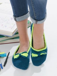 Bow Tie Slippers | Yarn | Free Knitting Patterns | Crochet Patterns | Yarnspirations