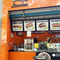 10 December 2016 (12:30) / Hot Dogs at Bob Lanches, Ipiranga Avenue, São Paulo City.