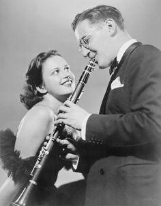 Benny Goodman - Get Rhythm in Your Feet (Helen Ward vocal) / 1935 / arranged by Fletcher Henderson / http://www.youtube.com/watch?v=m8yIsCru5vg