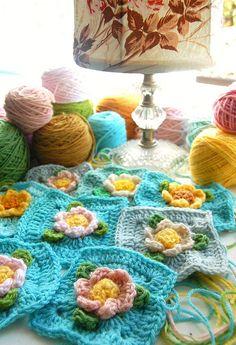 new flower crochet squares...