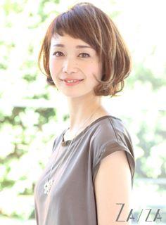 キュートすぎる♡大人可愛い「眉上バング×ボブ」ヘアカタログ - Locari(ロカリ)