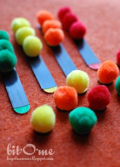 Busy Bag Activities, magnetic pom pom color sort