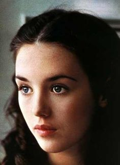 Isabelle Adjani looks like snow white Isabelle Adjani, Hollywood Celebrities, Hollywood Actresses, Actors & Actresses, French Beauty, Classic Beauty, Most Beautiful Women, Beautiful People, Best Actress Award