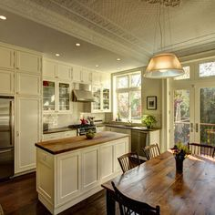 LOVE ♥ LOVE ♥ LOVE ♥ THE CREAM COLOR CABINETS ~ LOVE THE GLASS CABINETS ~ LOVE THE KITCHEN TABLE ~ Craftsman Style Kitchen Cabinets Design, Pictures, Remodel, Decor and Ideas - page 6