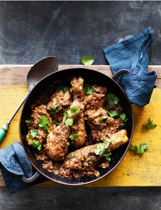 Anjum Anand& black masala chicken curry recipe is packed with aromatic spices, better than any takeaway! Spicy Recipes, Curry Recipes, Indian Food Recipes, Cooking Recipes, Healthy Recipes, Ethnic Recipes, Healthy Dinners, Chicken Masala, Chicken Curry