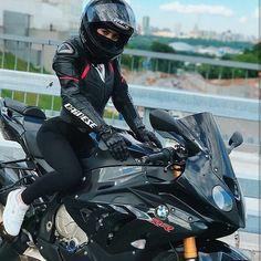 いいね!2,978件、コメント9件 ― The Best Sport Bike Page On IGさん(@sportbike)のInstagramアカウント: 「Double Tap for biker girls ❤️ Tag a rider ⤵️   @SportBike - Via @innusya11 #SportBike」
