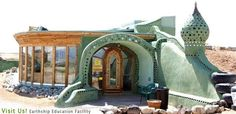 Earthships - Radically sustainable buildings made with recycled materials