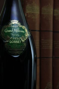 1996 Gosset Grand Millésime : The oldest Champagne house and one of the best.  Opened Aug 8, 2010, the second of two bottles; the first was opened much too early.